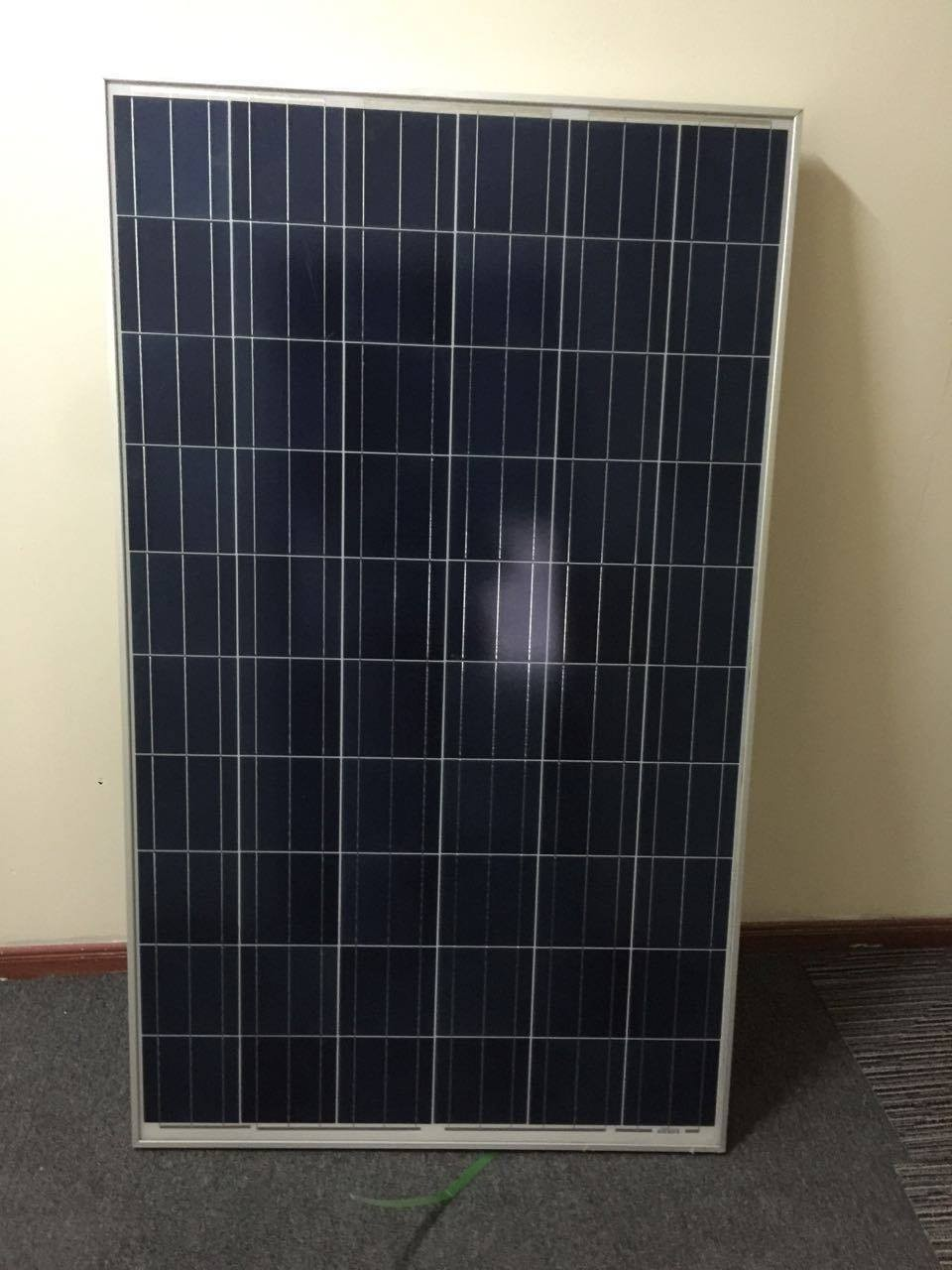 Christmas $0.35/W Yingli brand high quality 250-310W poly solar panels in stock for solar farm solar power system solar energy