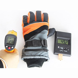 Warmspace finger heating rechargeable battery heated gloves for ski