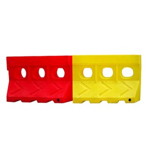 Cheap Price Driveway Rotate Moulding Plastic Road Traffic Safety Water Filled Barrier