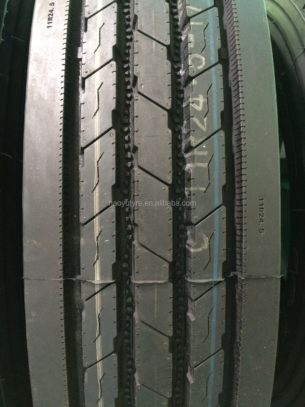 New brand 295/75r22.5 tube dump trailer truck tires 285/75r24.5 for sale China container truck tires price