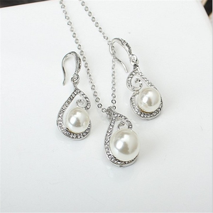 Fashion hollow pattern micro diamond pearl pendant necklace cheap indian bridal jewelry set