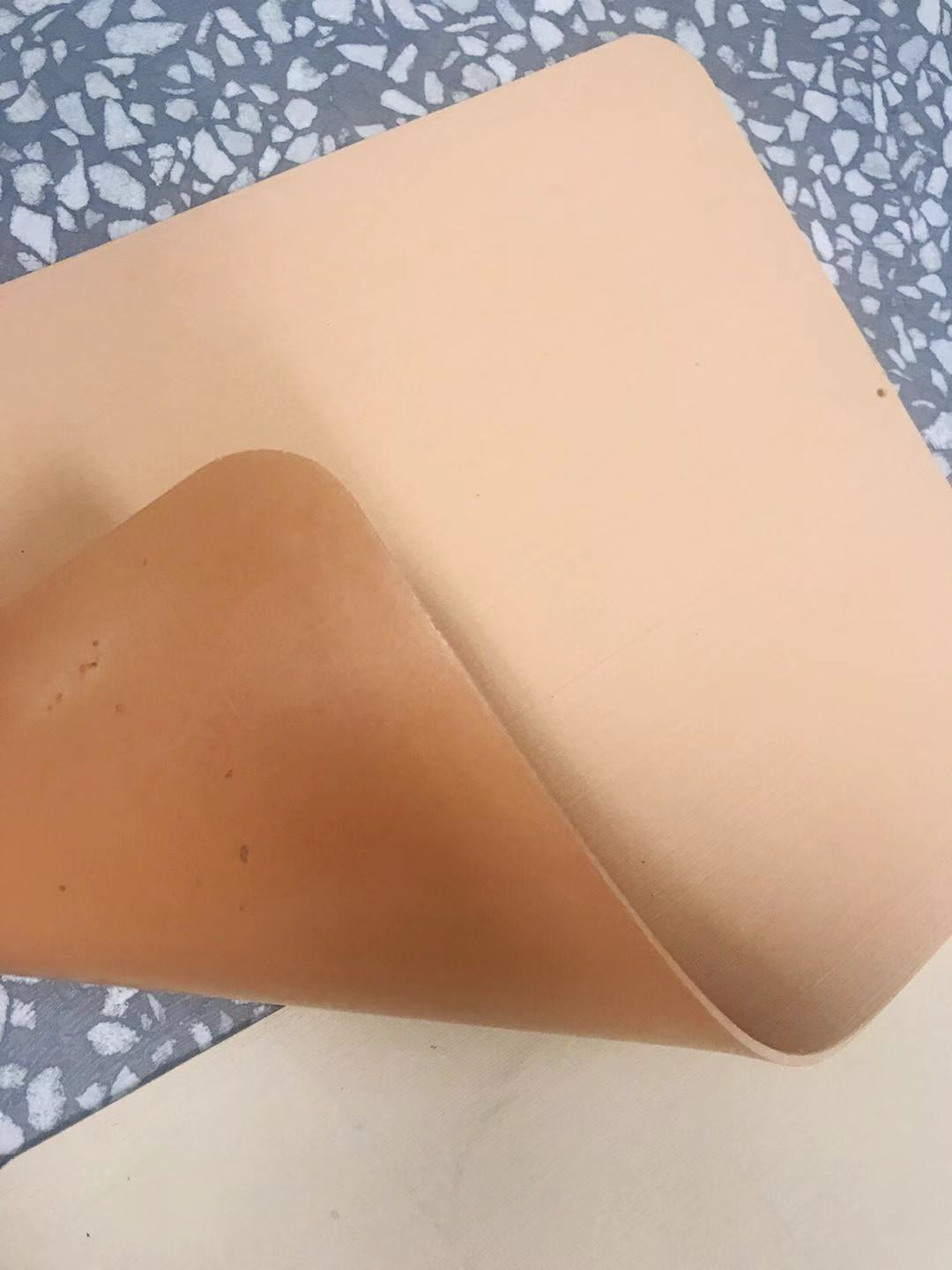 Hot selling stocklot rubber shoe sole sheet with low price
