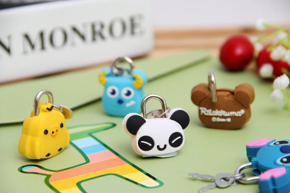 Lovely bags cartoon mini lock drawer padlock keychain Keyrings creative silicone metal small lock wholesale