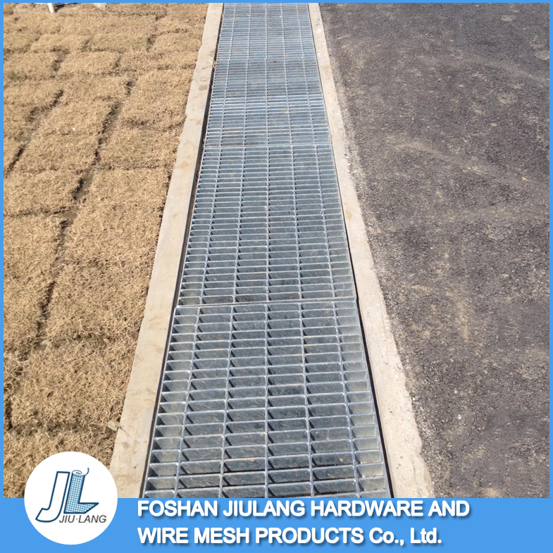Hot selling high strength hot dipped galvanized rain water drain