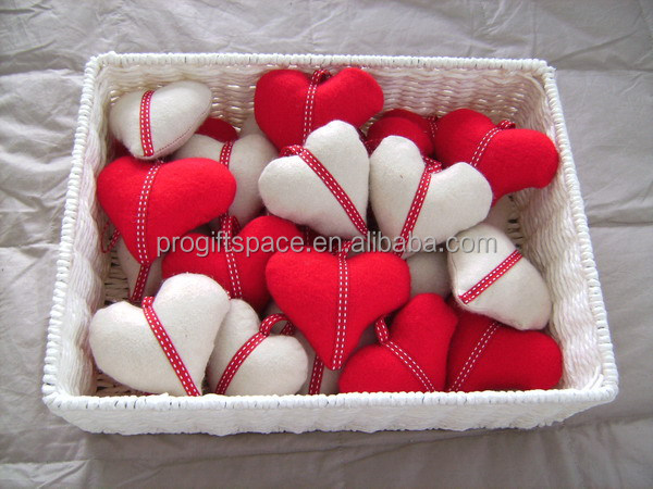 2016 new hot sale handmade stuffed crafts wholesale China party love gift felt two hearts wedding decoration for Valentine day