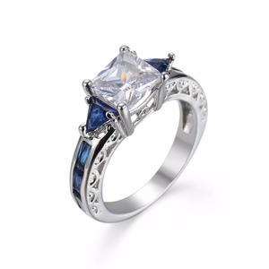 High Quality Elegant Women CZ Cubic Zirconia Ring Square White Blue Crystal Sapphire Diamond Engagement Ring