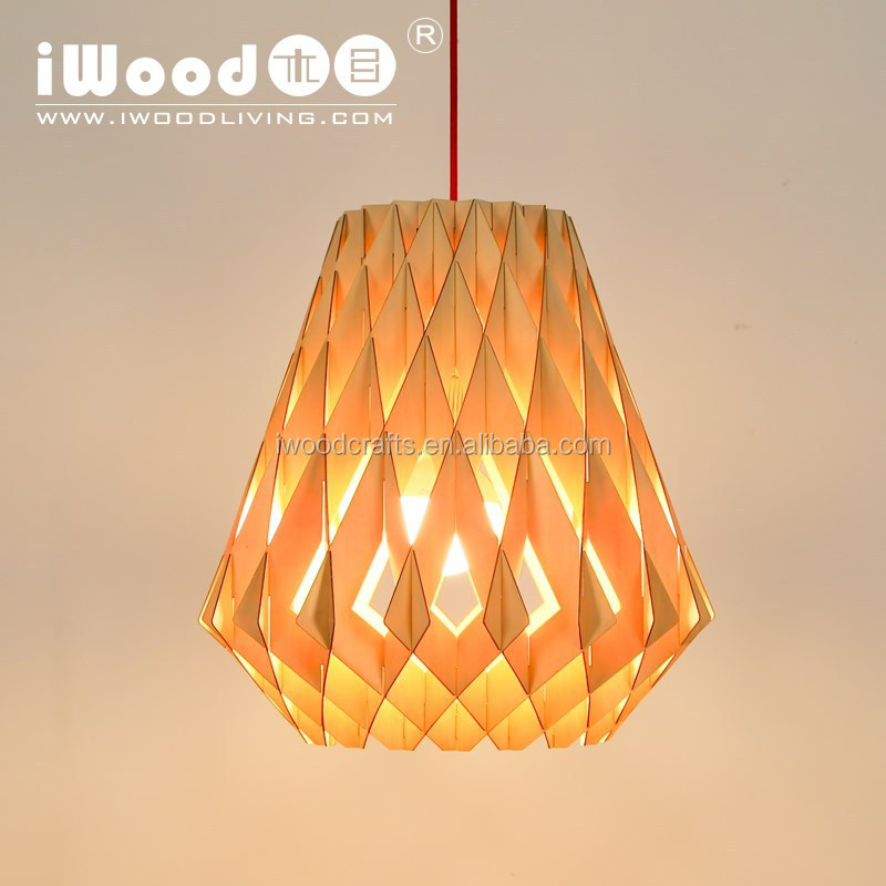 Ultimo disegno di legno ha condotto la luce lampadario con un ...