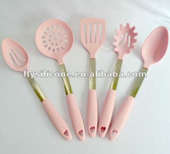 2017 Useful Silicone Pink Kitchen Utensils