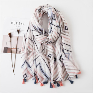 2018 New Design Women Summer Ethnic Boho Tassels Scarf