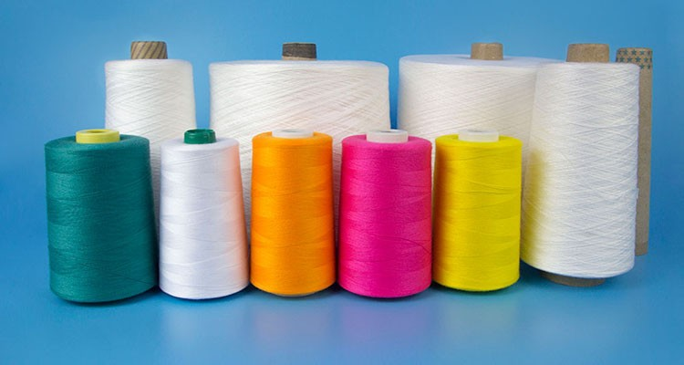 China Recycled And Bright Dope Dyed Polyester Spun Yarn For Sewing Jeans 30/2/3