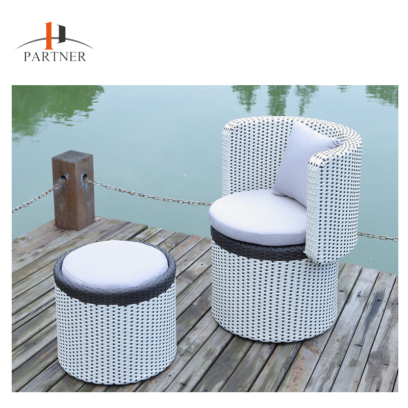 Modern Rattan Garden Furniture Fast Food Table Chair Set Outdoor Furniture