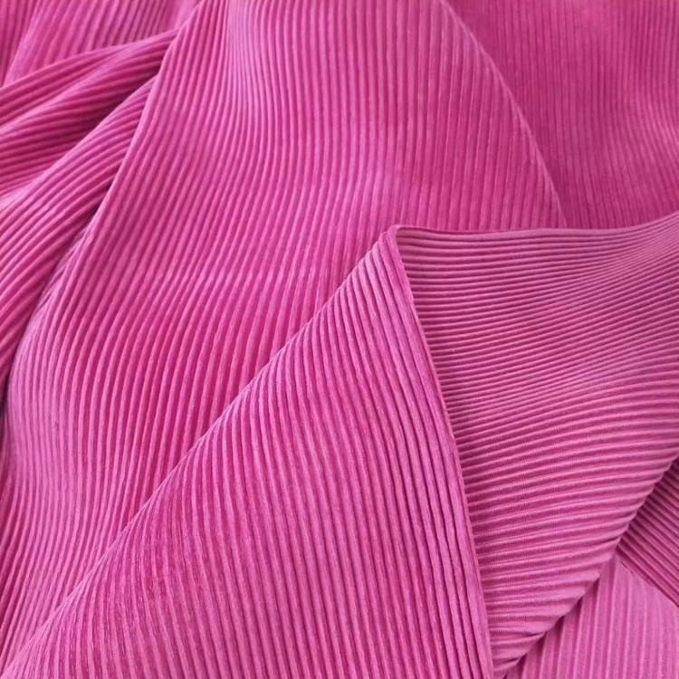 100% polyester pleated chiffon <strong>fabric</strong> for lady dress