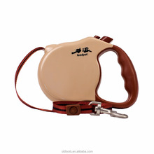 extends up to 26 feet long,supports up to 110 pounds,retractable dog slip lead