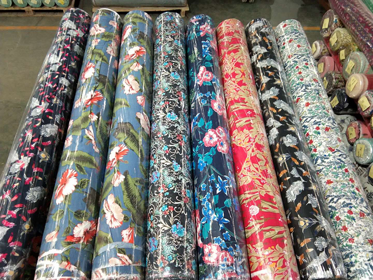 Wholesale Custom 100% Printed Viscose Rayon Fabric,Woven Technics Bright Color Digital Printed Rayon Fabric