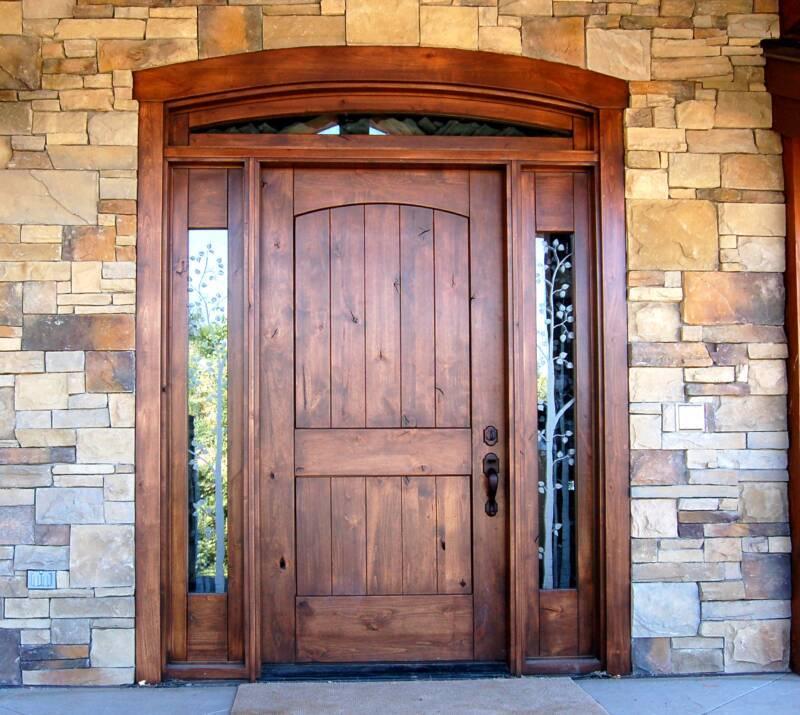 Сельская входная дверь