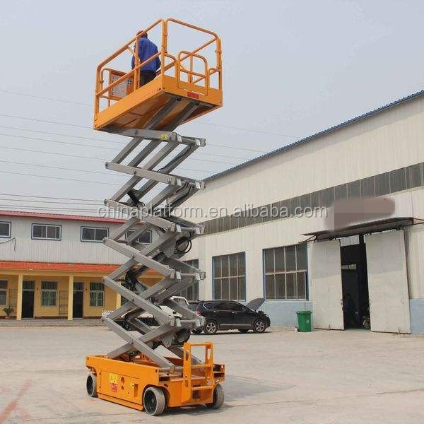 Indoor self-propelled scissor lift platform for wheelchair