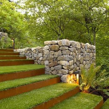 Dekorative Cortenstahl Garten Einfassung Für Eine Riased Veggie Garten Bett