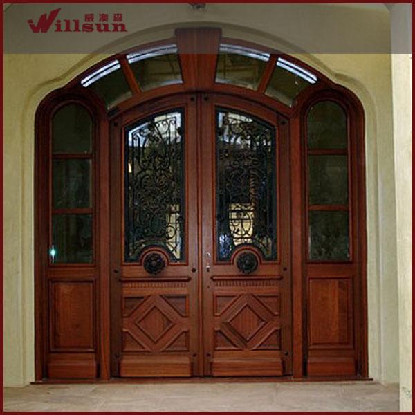 Elegante carcasa exterior de hierro forjado puertas de for Puertas dobles de madera exterior