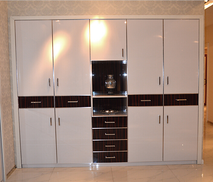 Gloss Kitchen Plywood Cupboards