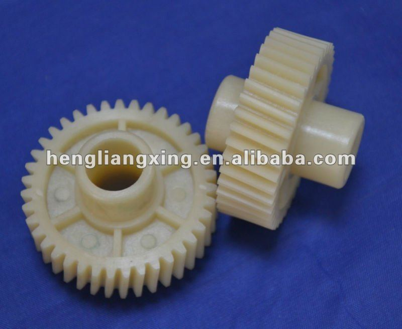 Nylon helical gear with straight spurs