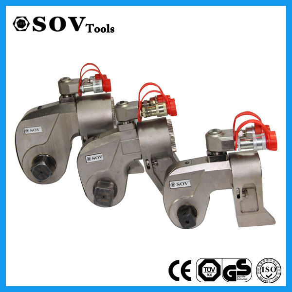 S25000 Square Drive Hydraulic Impact Wrench used with Socket