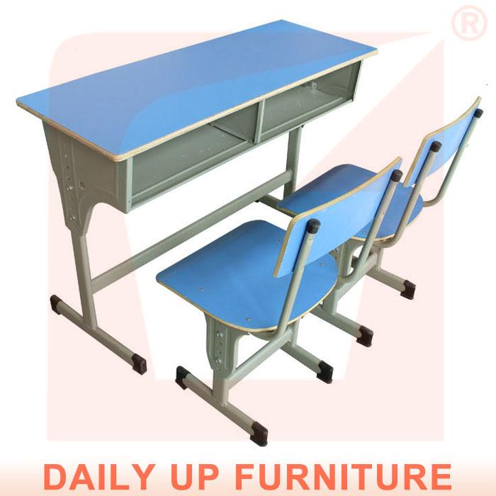 Bureau D'écolier Table Des D'étude Double Chaises En Bois Avec N0vy8OPmwn