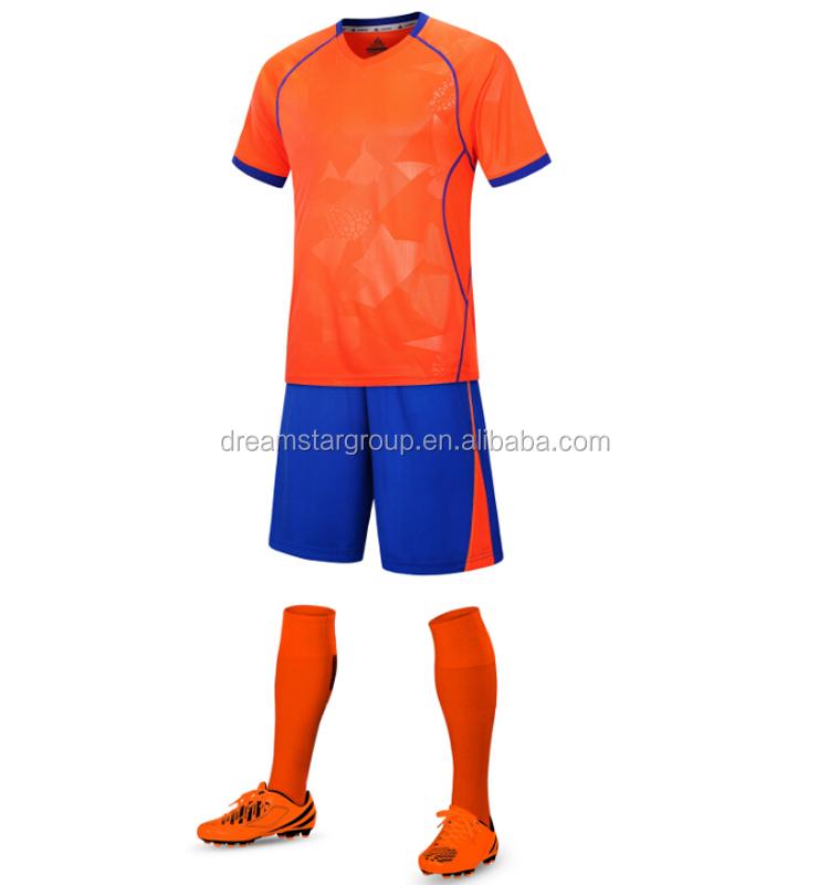 5cbb1d0e34018 2018 clásico uniforme de fútbol de su nombre y número de moda personalizado  camiseta ...