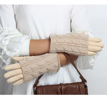 Hot sell new design comfortable thick warm winter adults touch screen gloves