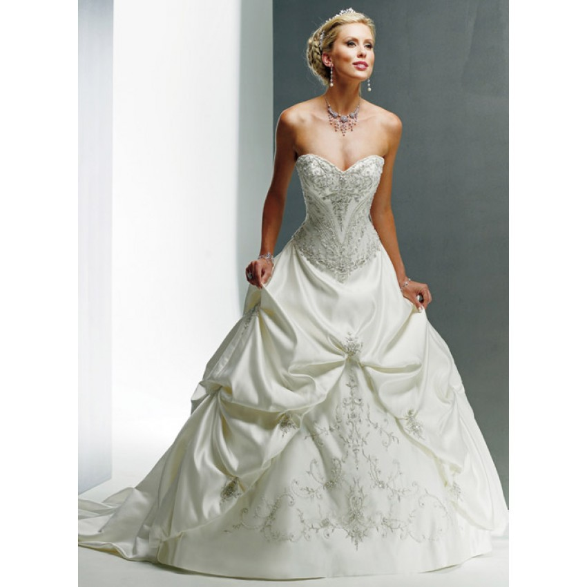 Buy Nitree Princess Ball Gown Sweetheart Crystal Lace Sweep Train