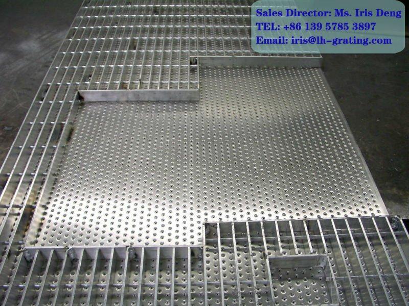 Steel tread plate flooring gurus floor for Diamond plate laminate flooring