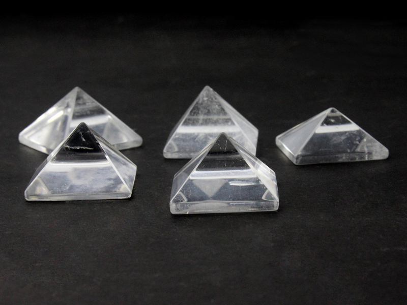 wholesale natural rock crystal pyramid for crystal healing and reiki