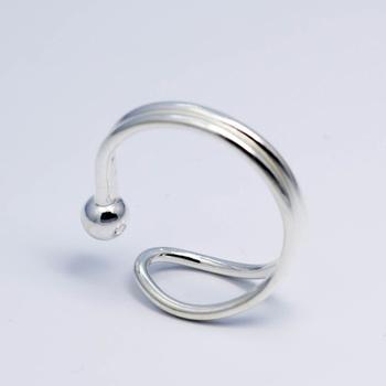 ae8cb1249009 Nueva llegada 925 diseño simple pequeña bola anillos para las mujeres  joyería anillo de dedo ajustable