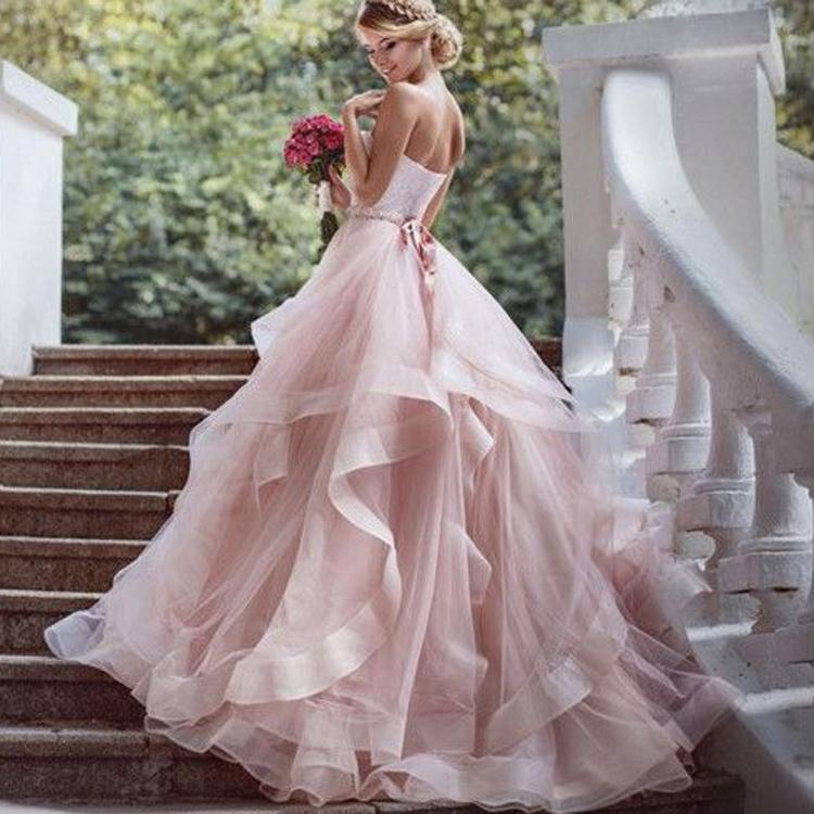 Terbaru Desain Pink Wedding Dress Strapless Sash Lapisan Rok Gaun