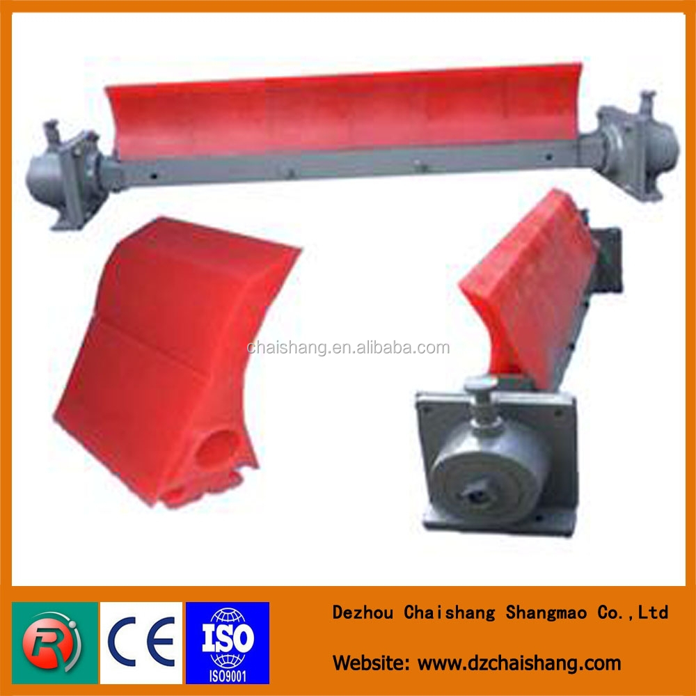Polyurethane scraper blade cleaner for conveyor belt clean