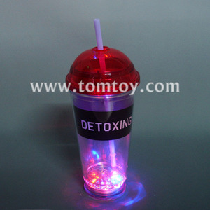 2018 FDA Light Up Flashing Milk Tea Bottle, Coffee Cup With Straw
