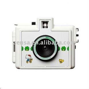 Superheadz Golden Half 35mm Hello Kitty Film Camera Limited Edition Lomo Camera