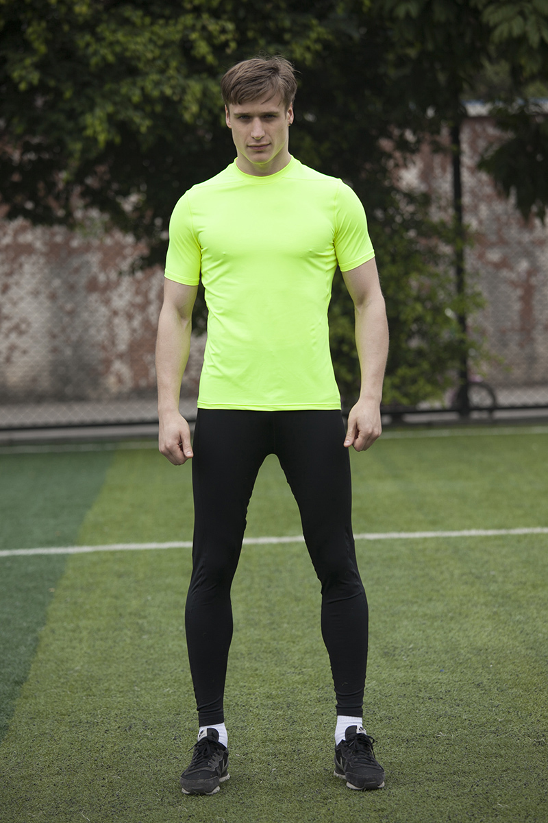 Gap is your source with a fashionable men's running clothing collection that is always quality made. Browse our men's running clothes selection for colors, prints, and patterns you will love.