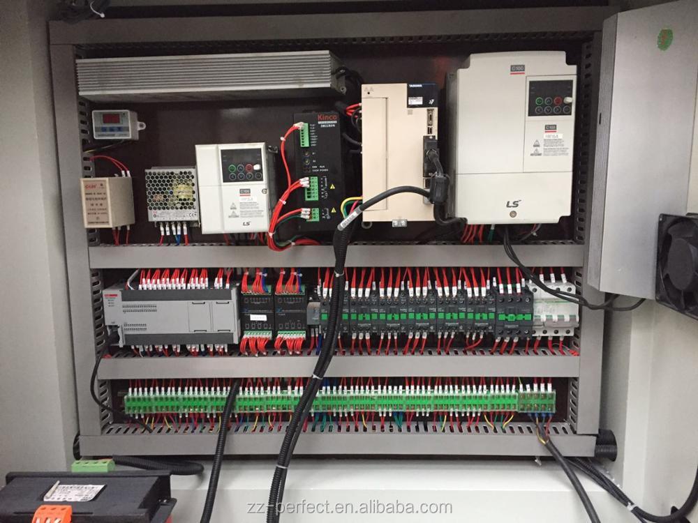 MQ950 automatische Pizzakarton-Stanzmaschine