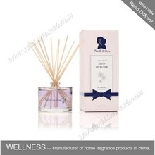 aroma reed diffuser in pink gift box with rattan sticks