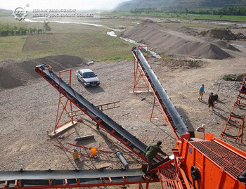 Large capacity plastic high inclination angle belt conveyor