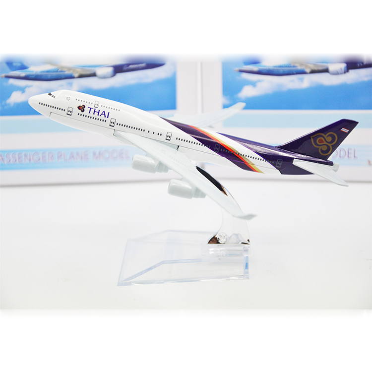 Thai B777 Airways Stand Aircarft Amazing Resin Airplane Models Excellent Toy Airplanes Metal Souvenir