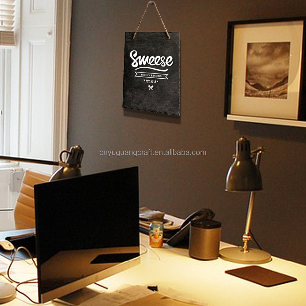 Decoratieve krijtbord teken bericht board met opknoping string ...