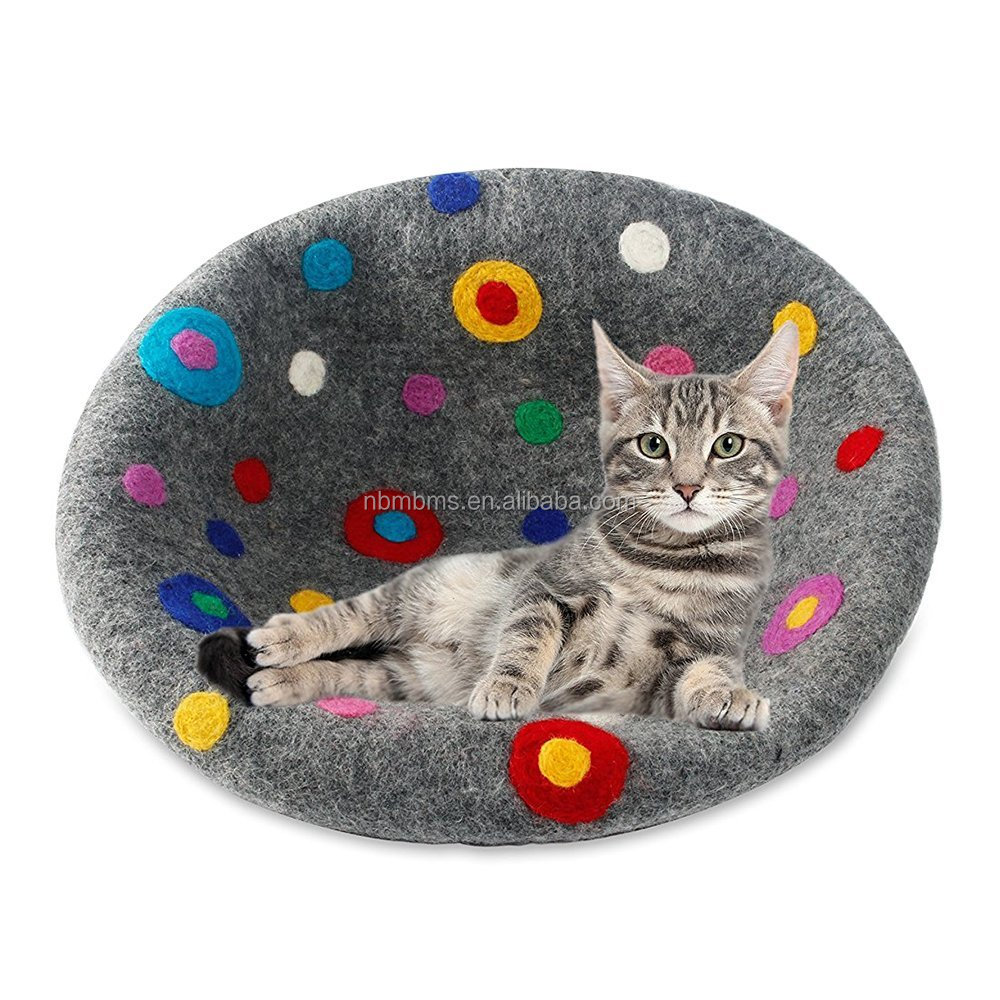 QJMAX Handmade Friendly Warm And Cozy Natural Felt Beds For Cats And Kittens