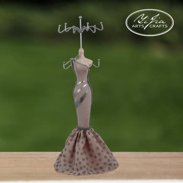 Small Profits Molded Resin Mannequin Jewelry Display Holder
