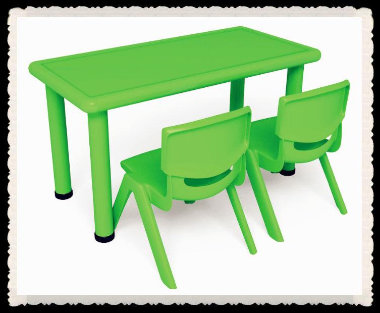2 zetels te koop school plastic tafel en stoel voor kinderen  peuter plastic tafel en stoel set