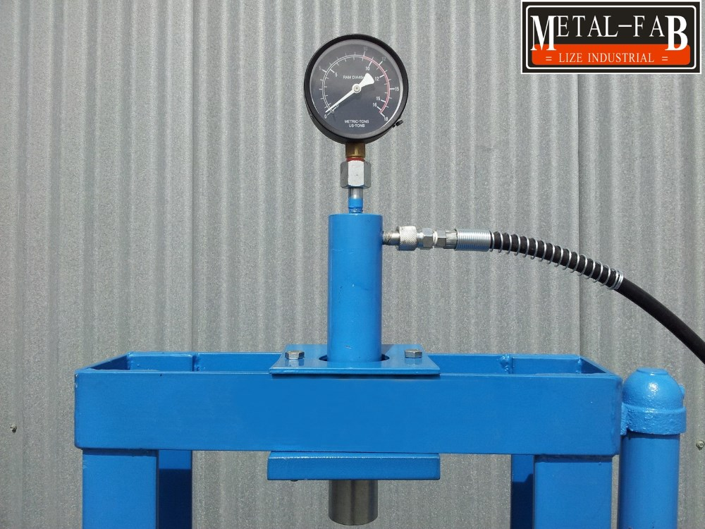 10 tonnes hydraulique banc press shop avec manom tre pin set grille garde outils hydrauliques. Black Bedroom Furniture Sets. Home Design Ideas