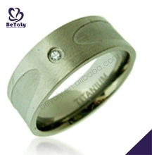 Christmas wholesale engraved titanium ring for gemstones