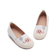 Mrbaby 2019 nouvelles conceptions Filles <span class=keywords><strong>chaussures</strong></span> en cuir plat Automne Broderie Animal Ballon Enfants <span class=keywords><strong>chaussures</strong></span> Décontractées <span class=keywords><strong>Mère</strong></span> et fille chaussure