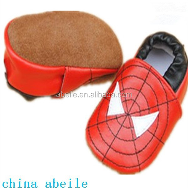 Spider Man decoration gifts handmade knitted hot selling lovely suede bedroom box pre-walking shoes for babies