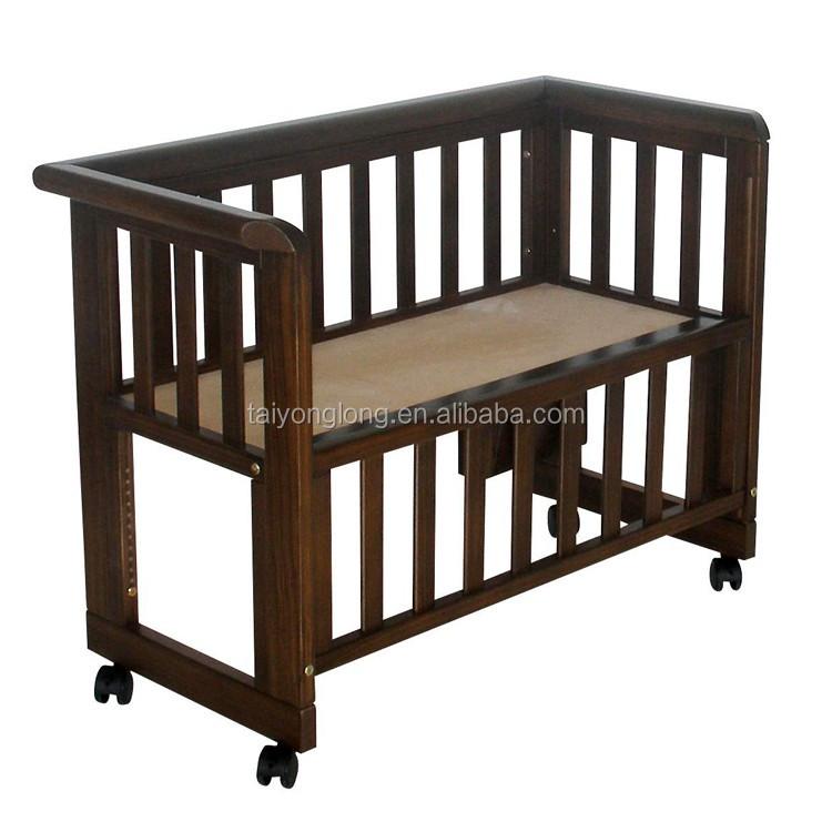 Adjustable New Zealand Pine Wood Baby Cot Wheels Baby Crib